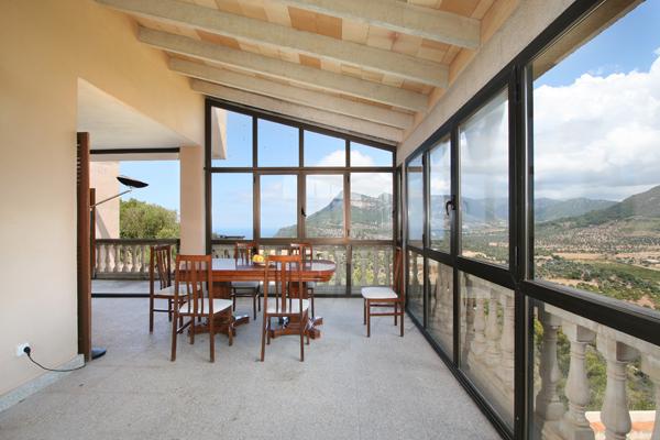Mallorca ferienhaus mit pool zum alleinbewohnen bei valldemossa mallorca - Wintergarten mit pool ...