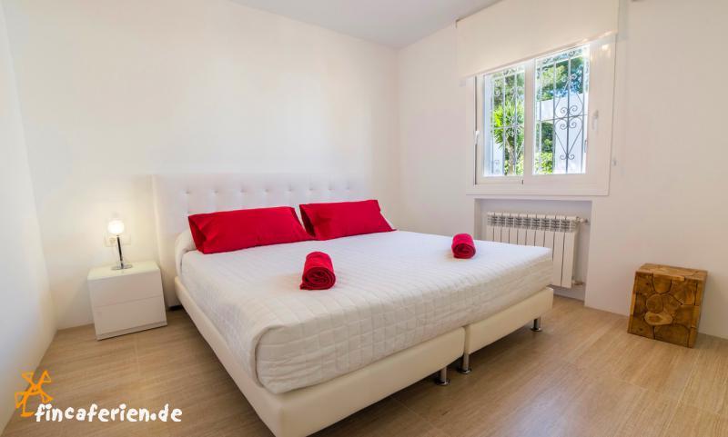 Ibiza Villa mit Pool und Klimaanlage für 10 Personen - fincaferien ...
