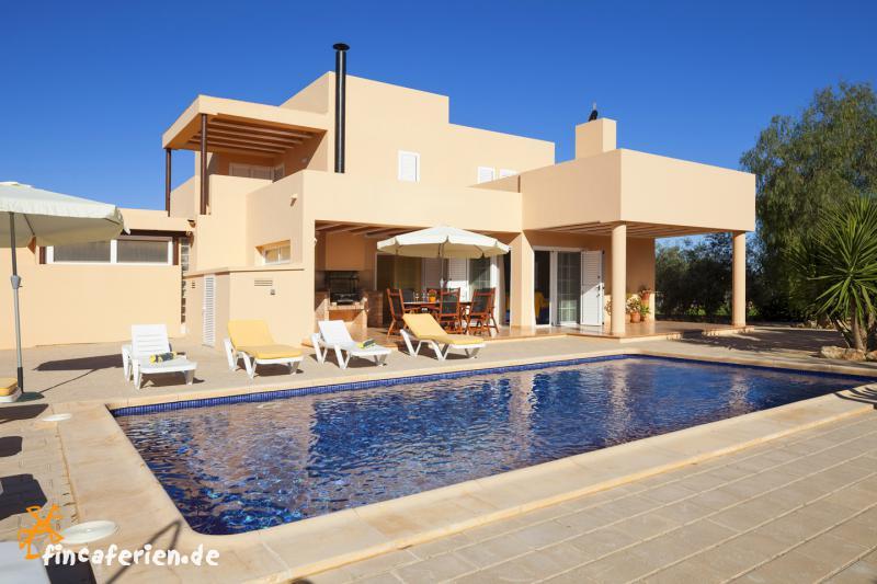 Ibiza feriehaus mit pool f r 8 personen bei sant jordi - Formentera ferienhaus mit pool ...