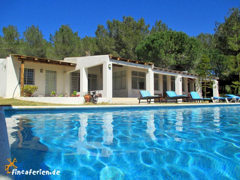 Ibiza ferienhaus privat mit pool f r 14 personen bei san - Formentera ferienhaus mit pool ...