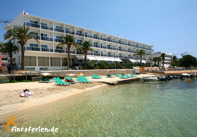 Ibiza playa talamanca hotel mit pool am strand zimmer for Design hotels am meer