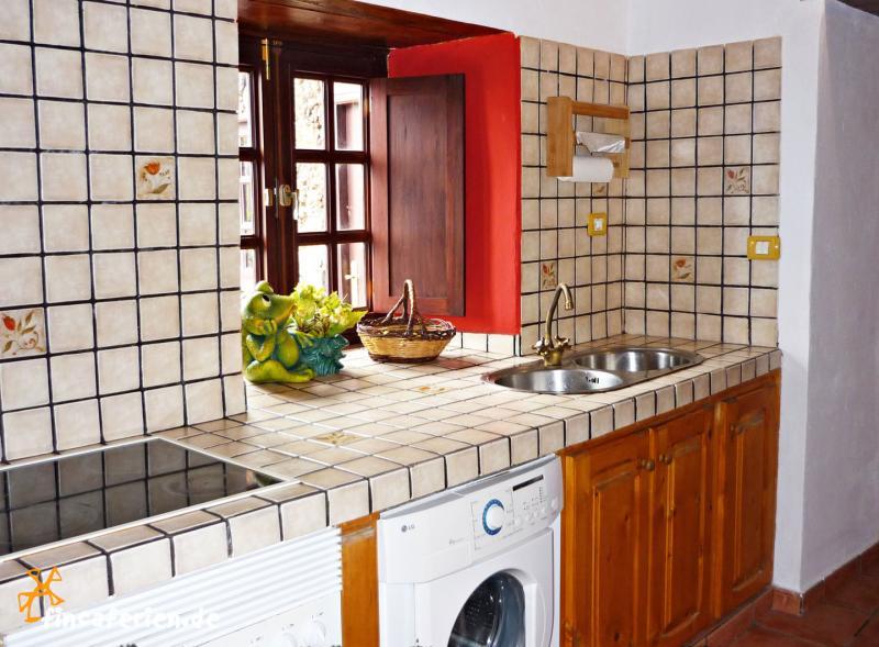 k che kleine k che mit waschmaschine kleine k che in. Black Bedroom Furniture Sets. Home Design Ideas