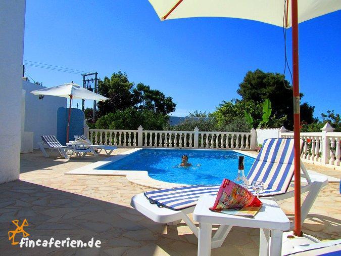 ibiza urlaub auf dem land ferienhaus f r 7 8 personen bei st eulalia mit pool waschmaschine. Black Bedroom Furniture Sets. Home Design Ideas