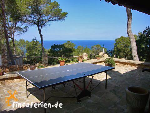 ibiza villa am meer mit internetanschluss und pool. Black Bedroom Furniture Sets. Home Design Ideas