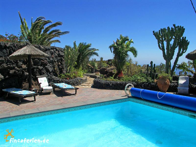 Lanzarote finca mit pool und tollem meerblick for Finca mit pool