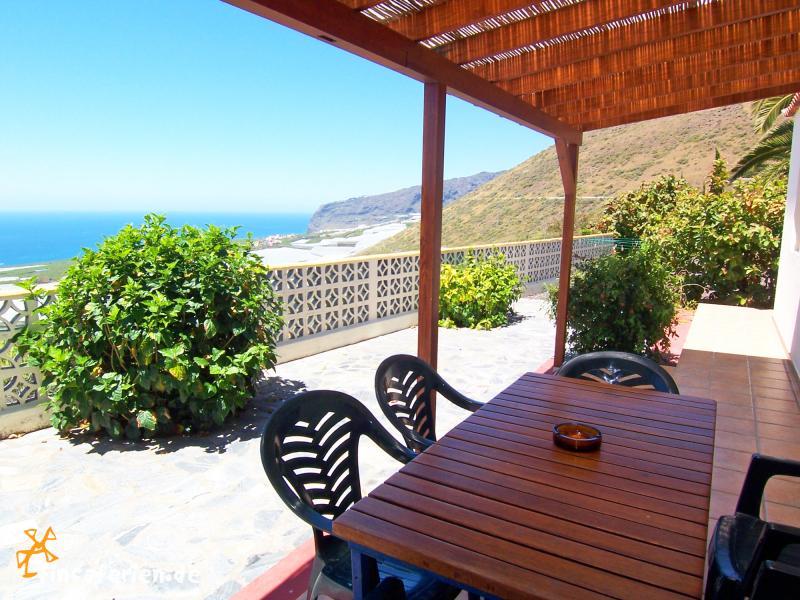 la palma ferienhaus mit pool garten und terrasse fincaferien. Black Bedroom Furniture Sets. Home Design Ideas
