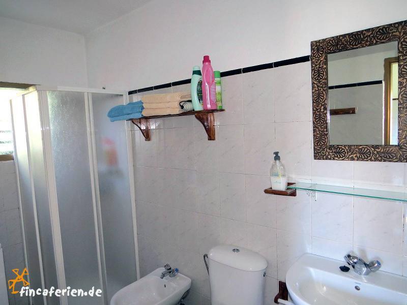 badezimmer landhaus style kreative ideen f r design und. Black Bedroom Furniture Sets. Home Design Ideas