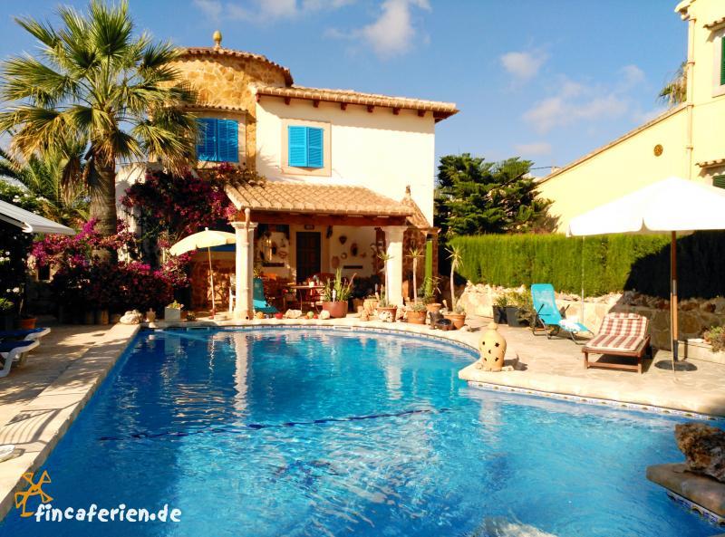 Mallorca Ferienhaus mit Pool in Cala Santanyi - fincaferien ...