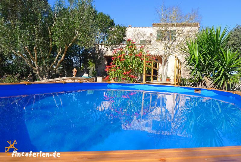 Mallorca private finca mit pool bei manacor fincaferien for Finca mit pool