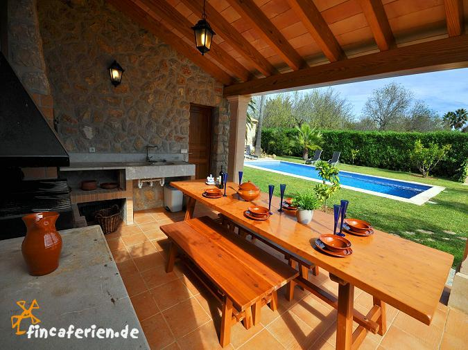 mallorca finca mit pool auf dem land f r 6 personen bei inca fincaferien. Black Bedroom Furniture Sets. Home Design Ideas