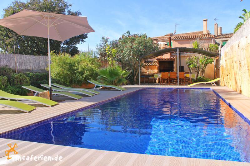 Gro es ferienhaus in santanyi mit pool garten und klimaanlage fincaferien - Formentera ferienhaus mit pool ...