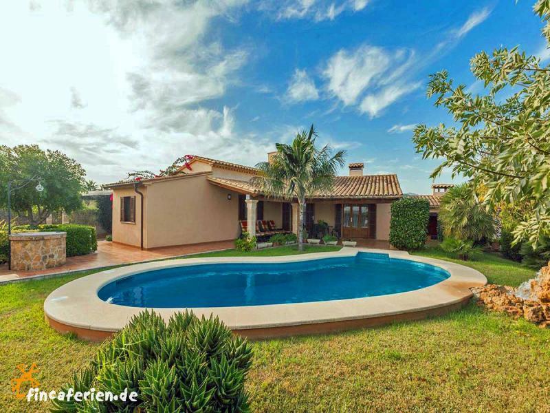 Mallorca Urlaub im Ferienhaus mit Pool und eingezäuntem Garten ...