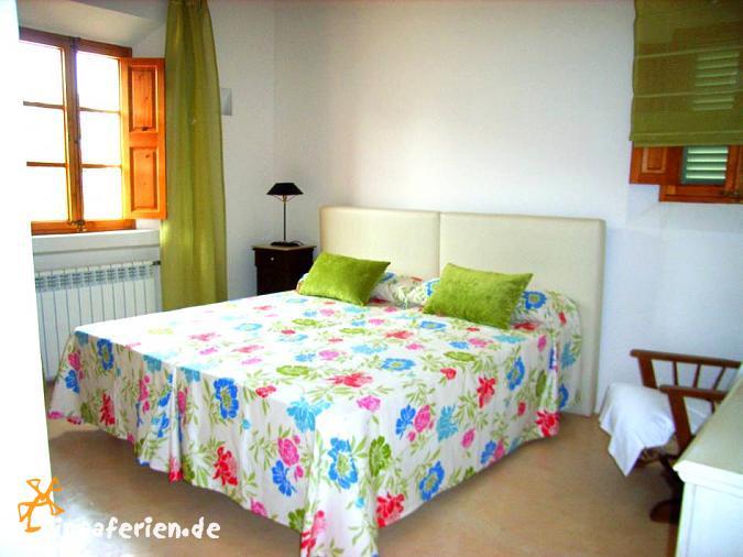 mallorca ferienhaus mit pool in alleinlage bei arta. Black Bedroom Furniture Sets. Home Design Ideas