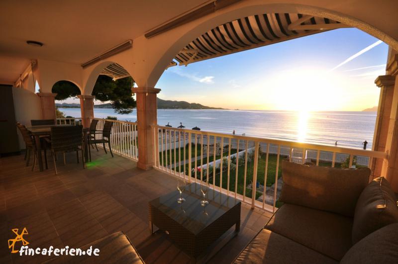 Mallorca Apartment Am Strand Von Alcudia Mit Meerblick Fincaferien - Mallorca urlaub appartement 2 schlafzimmer