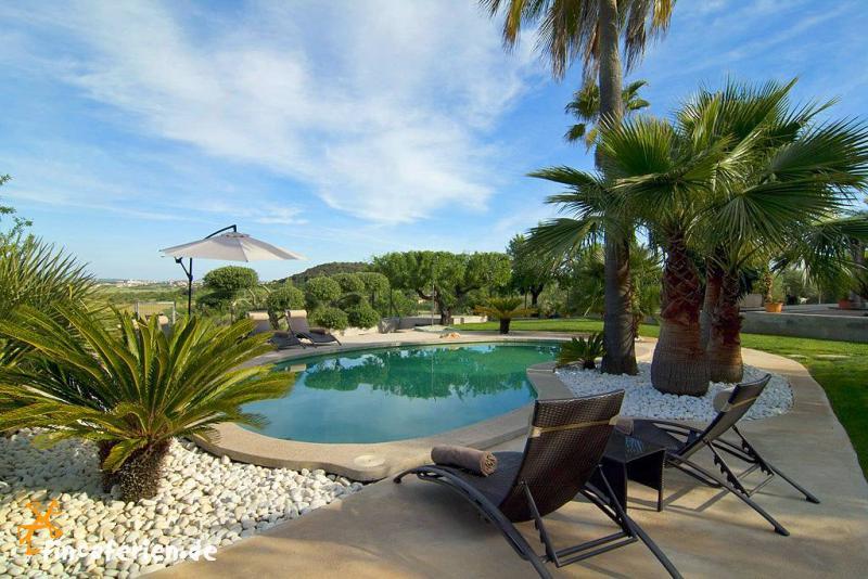 Mallorca finca mit pool und garten ruhige lage for Finca mit pool