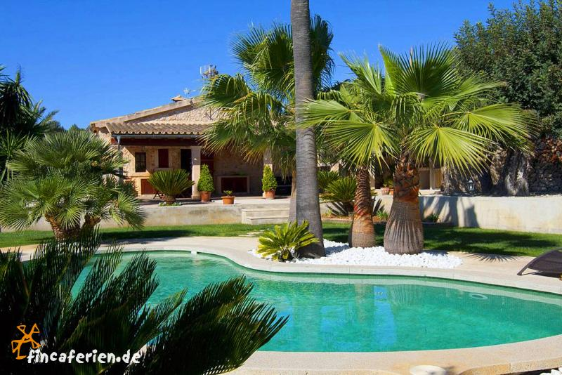 Mallorca finca mit pool und garten ruhige lage - Gartenanlage mit pool ...