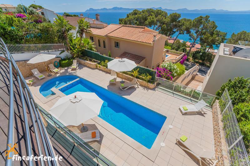 mallorca exklusive villa mit pool indoor pool und internet fincaferien. Black Bedroom Furniture Sets. Home Design Ideas