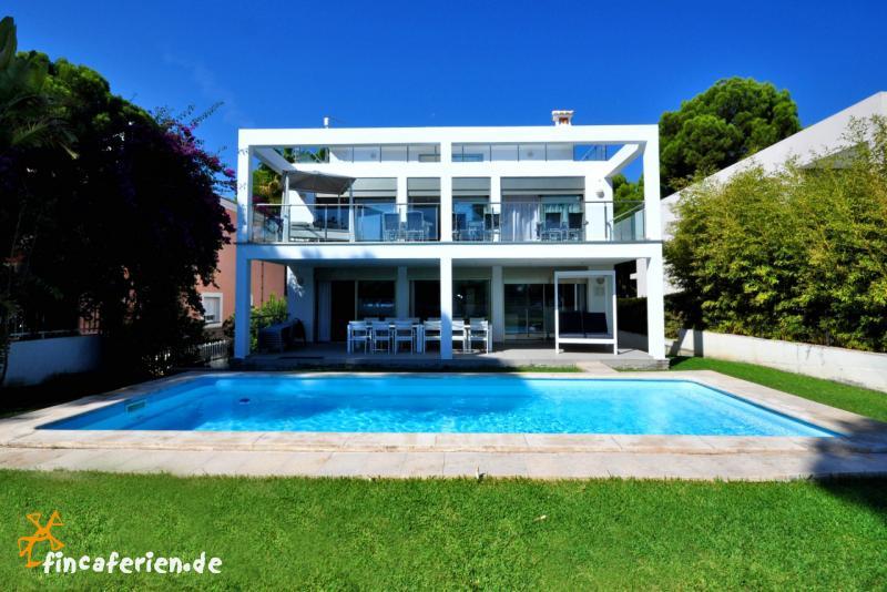 Mallorca Ferienhaus Am Strand Eingezaunter Pool Fincaferien