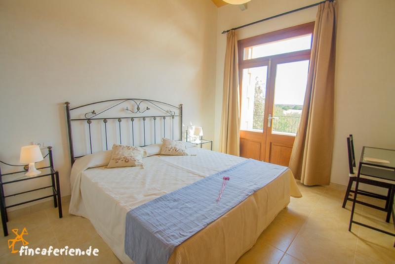 mallorca urlaub im ferienhaus mit pool und klimaanlage fincaferien. Black Bedroom Furniture Sets. Home Design Ideas