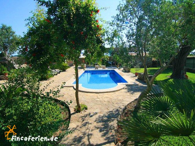 Mallorca landhaus mit pool und garten f r 5 personen sa for Garten pool wanne