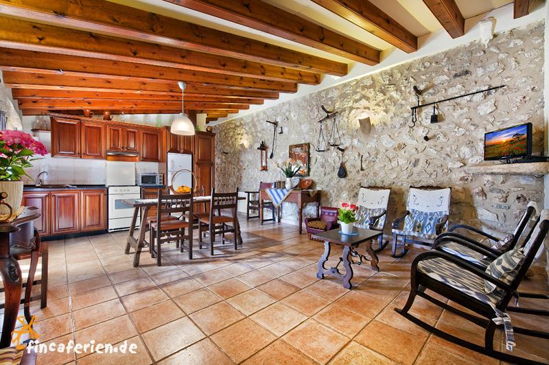 mallorca apartment f r 4 personen mit pool bei pollenca fincaferien. Black Bedroom Furniture Sets. Home Design Ideas