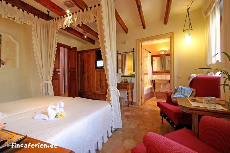 Land hotel mallorca mit pool und wlan bei pollenca for Style hotel mallorca