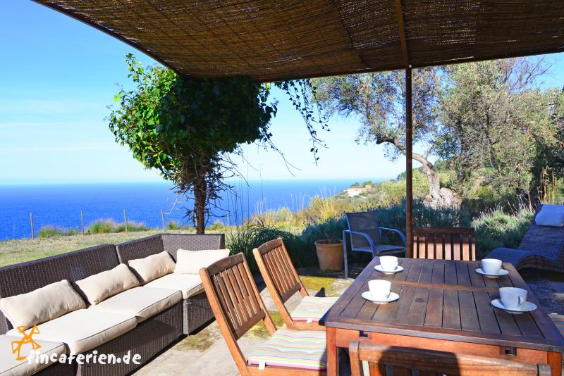 mallorca finca mit pool und meerblick fincaferien. Black Bedroom Furniture Sets. Home Design Ideas