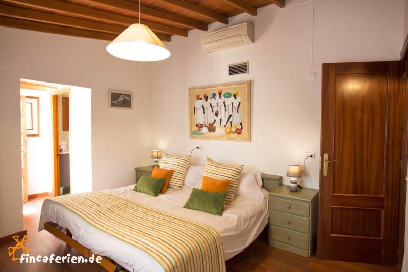 mallorca finca mit klimaanlage pool und au enk che fincaferien. Black Bedroom Furniture Sets. Home Design Ideas