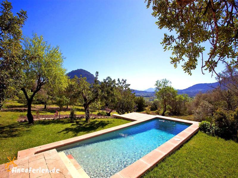 Mallorca kleine finca mit pool internet bei pollenca for Finca mit pool