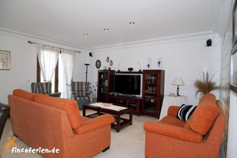 ferienhaus auf mallorca f r 9 personen bei muro. Black Bedroom Furniture Sets. Home Design Ideas