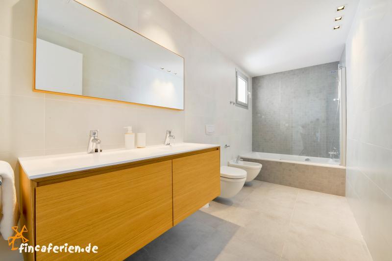 mallorca moderne villa am meer porto cristo fincaferien. Black Bedroom Furniture Sets. Home Design Ideas