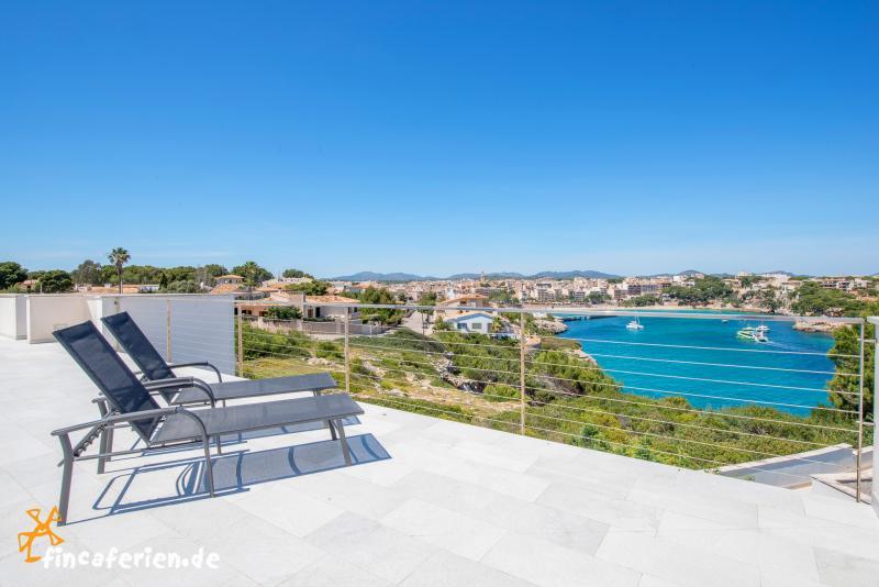 Moderne luxusvilla am meer mit pool  Mallorca moderne Villa am Meer, Porto Cristo - fincaferien ...