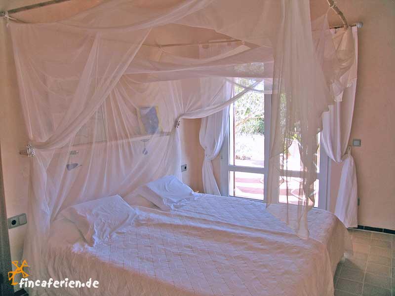 himmelbett selbst gemacht neuesten design kollektionen f r die familien. Black Bedroom Furniture Sets. Home Design Ideas