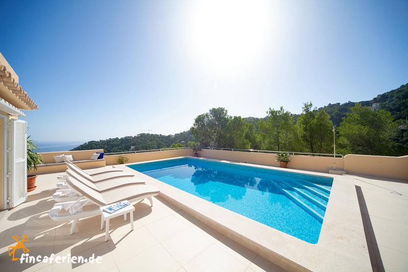 Moderne luxusvilla am meer mit pool  Villa Urlaub Mallorca Villen Mallorca Villa mit Pool Mallorca ...