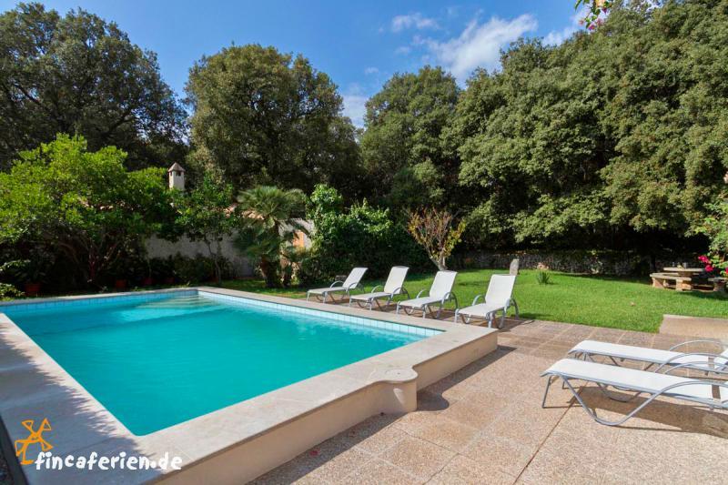 Mallorca finca mit pool klimaanlage internet garten f r for Garten pool wanne
