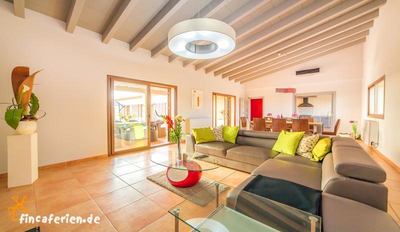 Moderne Finca mit Pool und Klimaanlage bei Campos - fincaferien ...