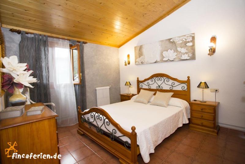 mallorca ferienhaus mit pool und klimaanlage fincaferien. Black Bedroom Furniture Sets. Home Design Ideas