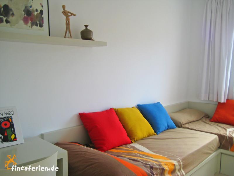 Modernes Ferienhaus am Strand mit Klimaanlage, Son Serra de Marina ...