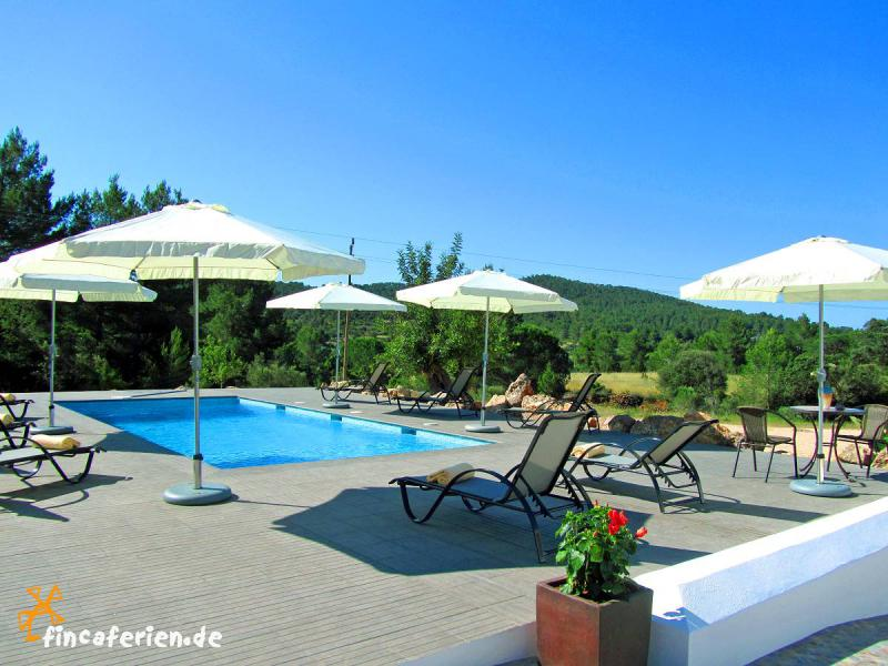 Ibiza finca mit pool klimaanlage internet nahe santa for Finca mit pool