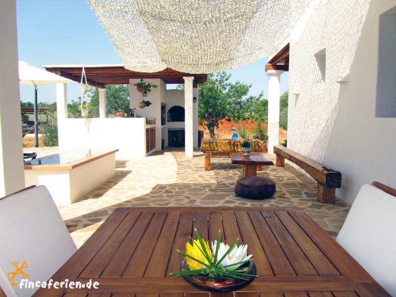 Ibiza private Finca mit Pool bei San Miguel - fincaferien | finca ...