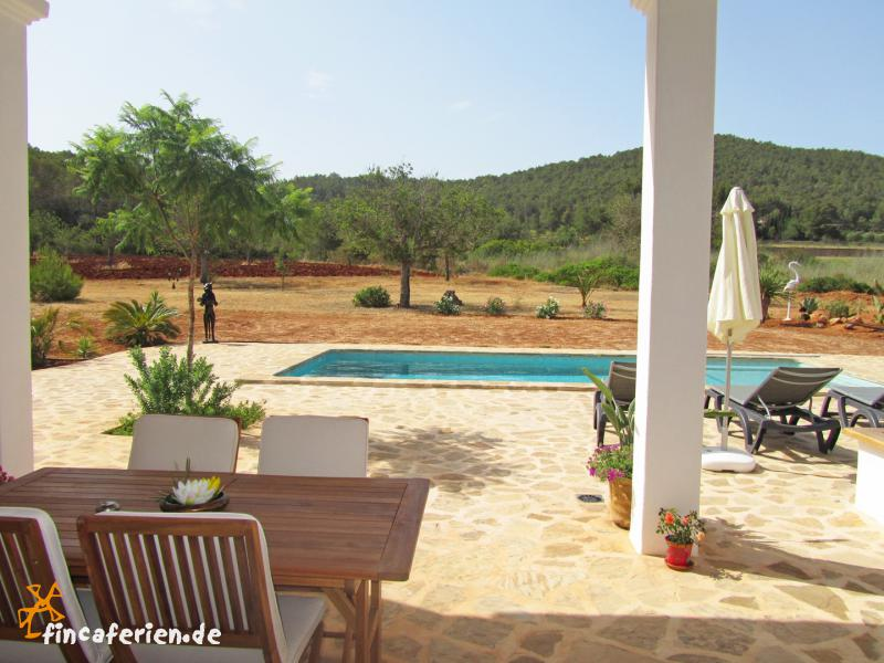 ibiza private finca mit pool bei san miguel fincaferien finca. Black Bedroom Furniture Sets. Home Design Ideas