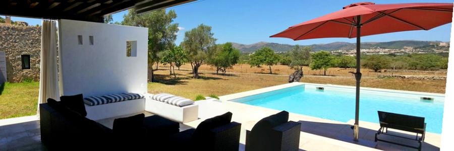 Große, moderne Finca mit Pool und Gästehaus in ländlicher Lage bei Arta