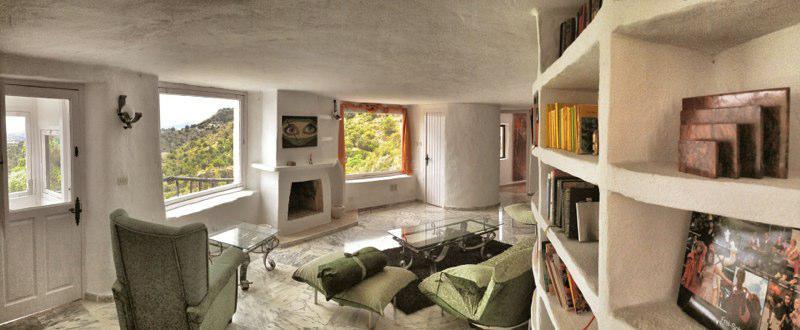 Wohn-Schlafzimmer in der Maisonette