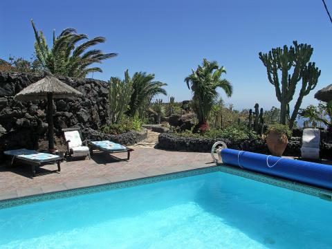 Finca mit Pool und Meerblick  (Nr. 0857)