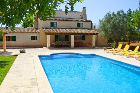 Mallorca Urlaub mit der Familie in großer Finca mit Pool (Nr. 0215)