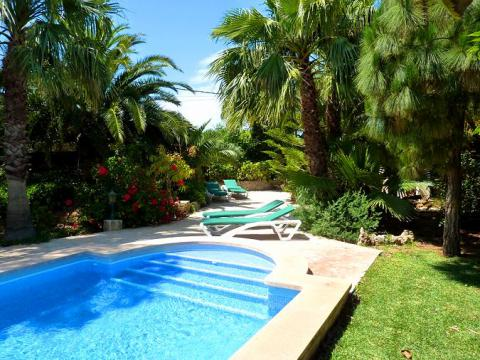 Strandnahe Finca mit Pool und Garten - Cala Santanyi  (Nr. 0254)