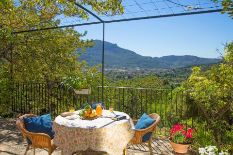 Ferienhaus Mallorca mit Pool und Blick auf Soller  (Nr. 0270)