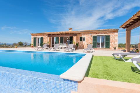 Ferienhaus in Alleinlage mit Pool (Nr. 3050)