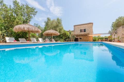 Mallorca Familienurlaub: Finca für 12 Personen mit Pool (Nr. 0434)