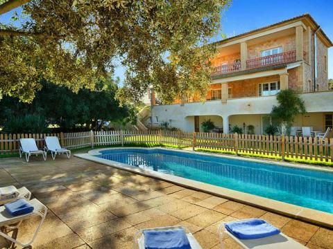 Mallorca großes Ferienhaus, Familienurlaub, strandnah, mit Pool, bis 12 Personen (Nr. 0469)